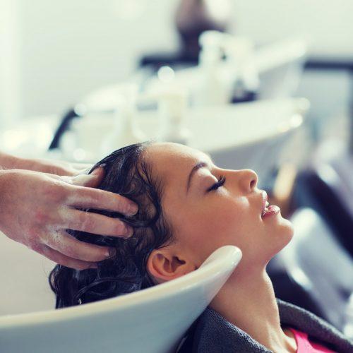 Hiustenlähtöä ehkäisevä shampoo
